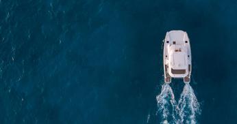 Power catamaran cruising range